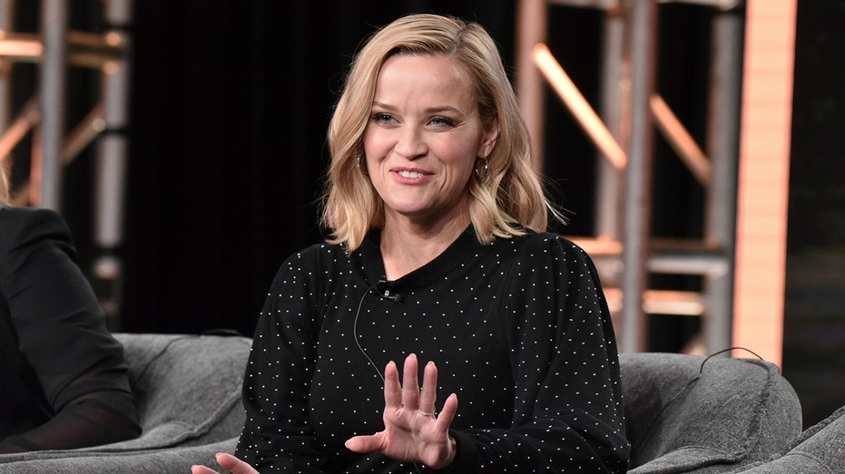 Reese Witherspoon & Kerry Washington's Economic and Social Backgrounds Collide [Hulu]