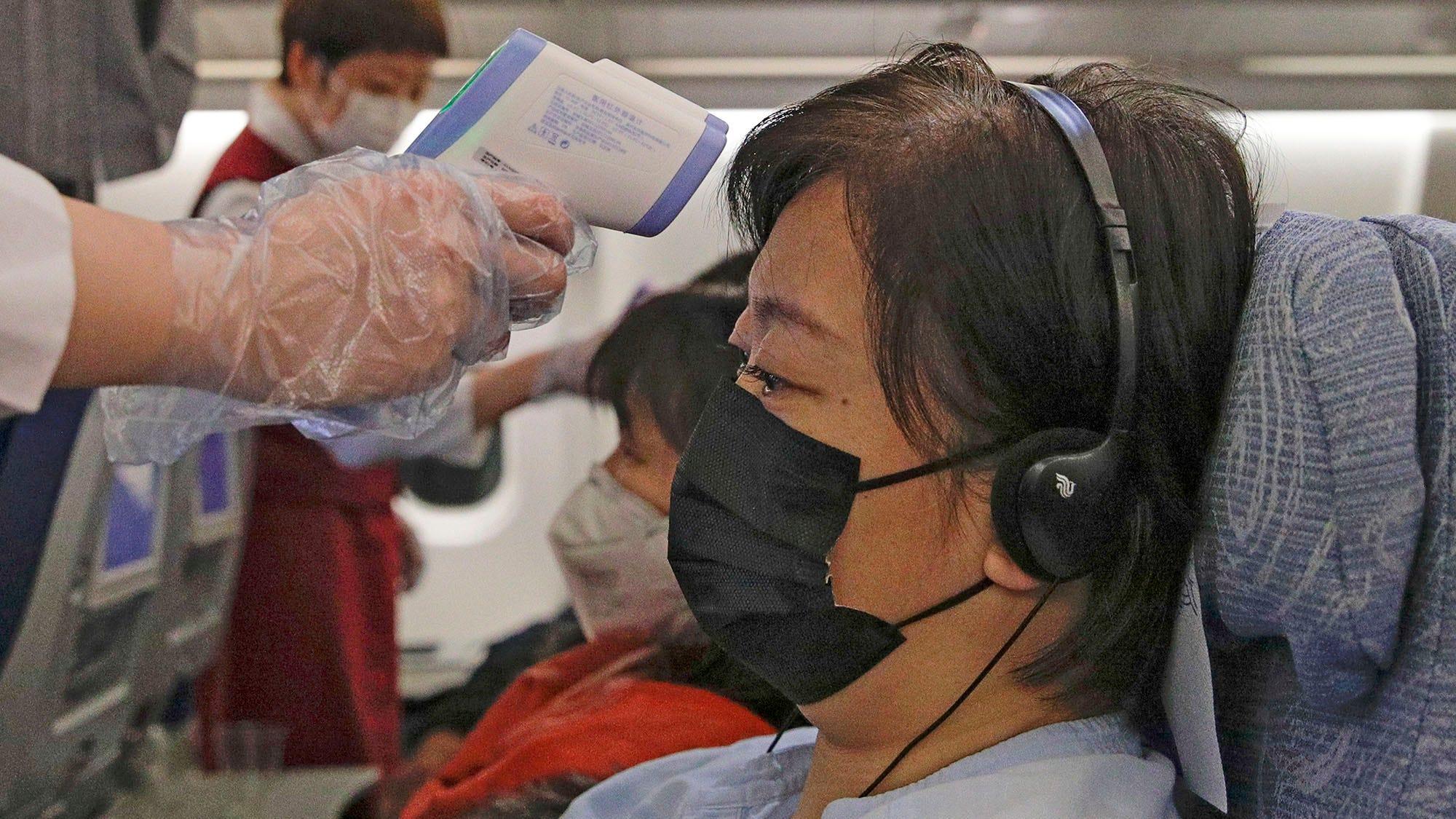 United, American Airlines drop flights to Hong Kong amid coronavirus outbreak