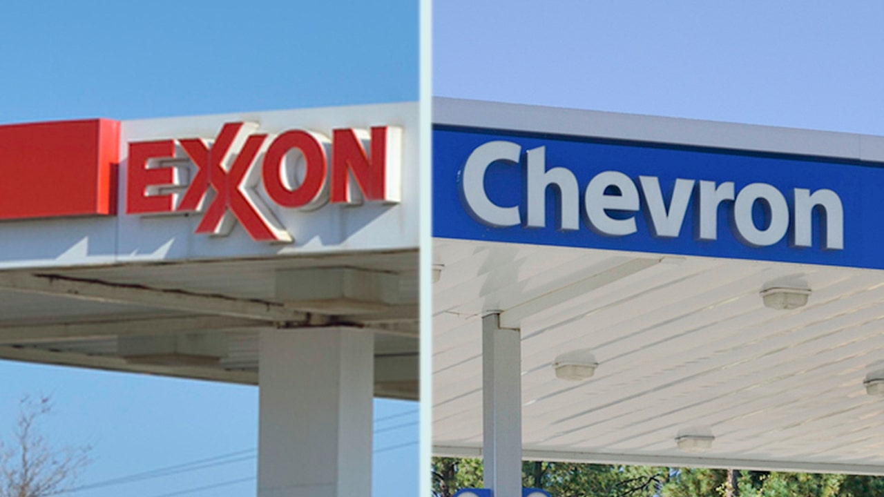 How Exxon, Chevron's suffering stock affects your 401(k)