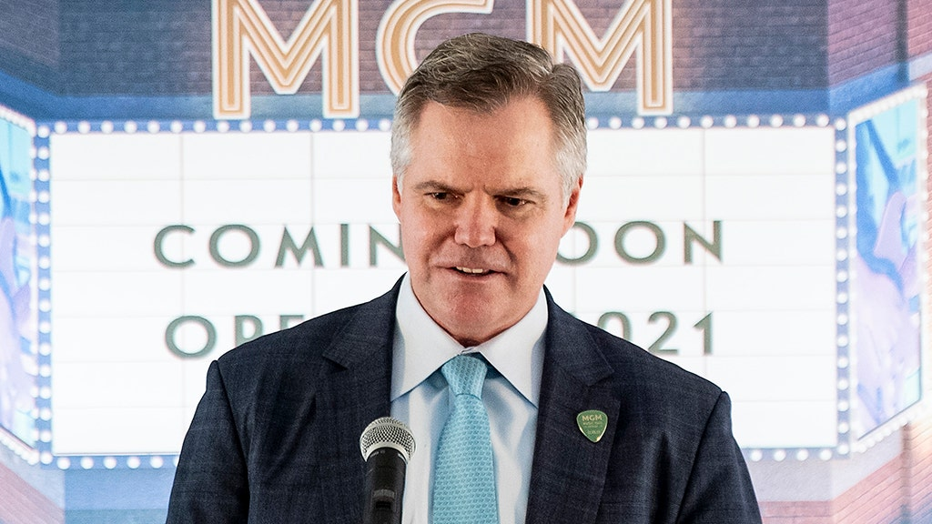 MGM Resorts CEO Jim Murren to step down