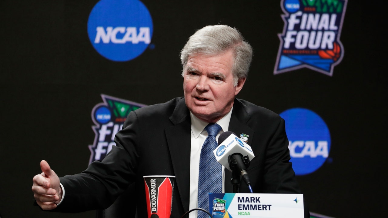 NCAA student-athlete pay debate needs federal input, Mark Emmert says