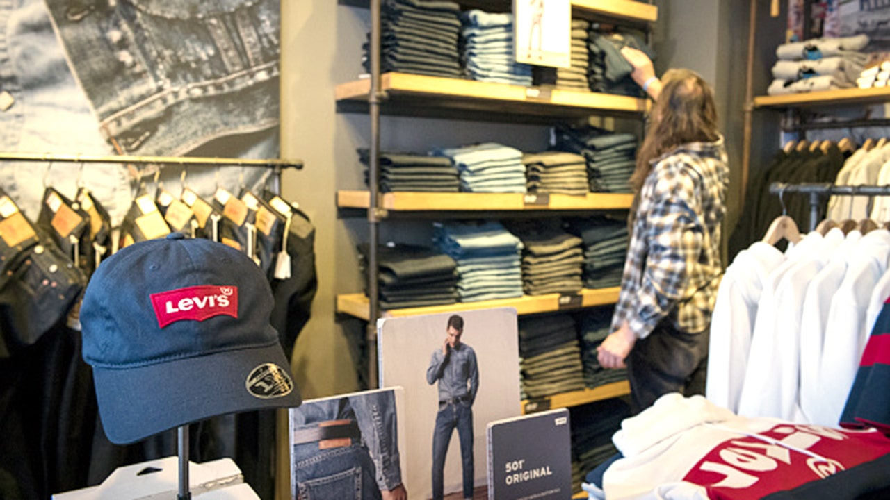 Levi's to offer paid family leave benefit to employees