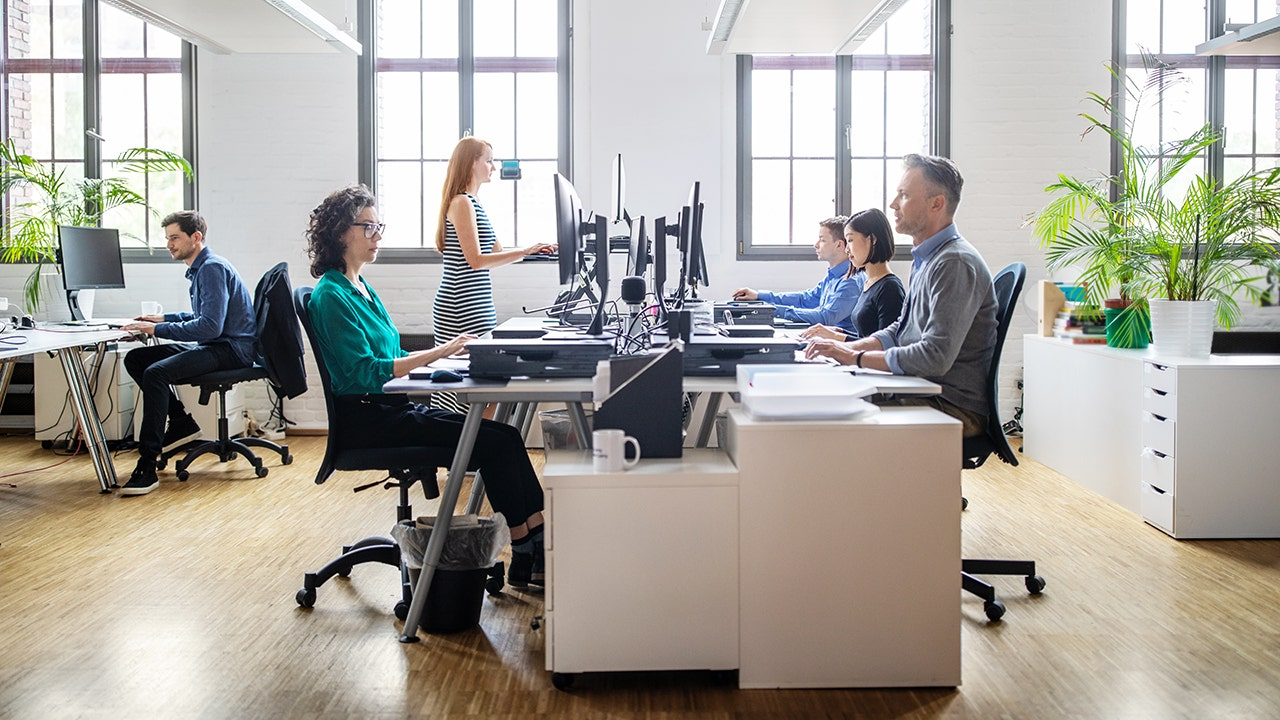 coronavirus spread in open-plan offices