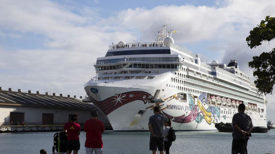 Cruise ship hindered by coronavirus travel restrictions docks in Hawaii