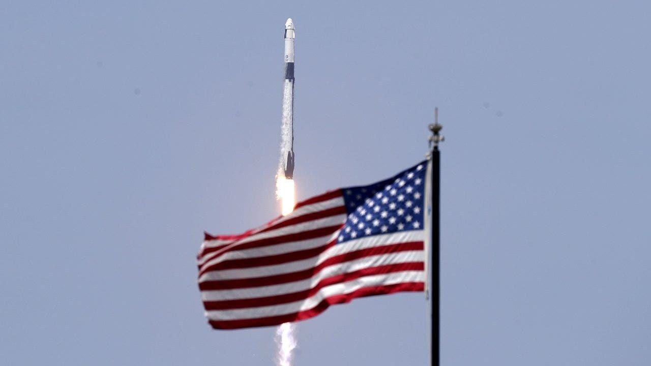 Japanese billionaire seeks volunteers for SpaceX flight around the moon - Fox Business