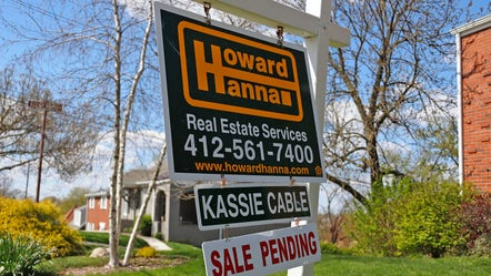 Pending home sales plunged 21.8% in April on monthly basis