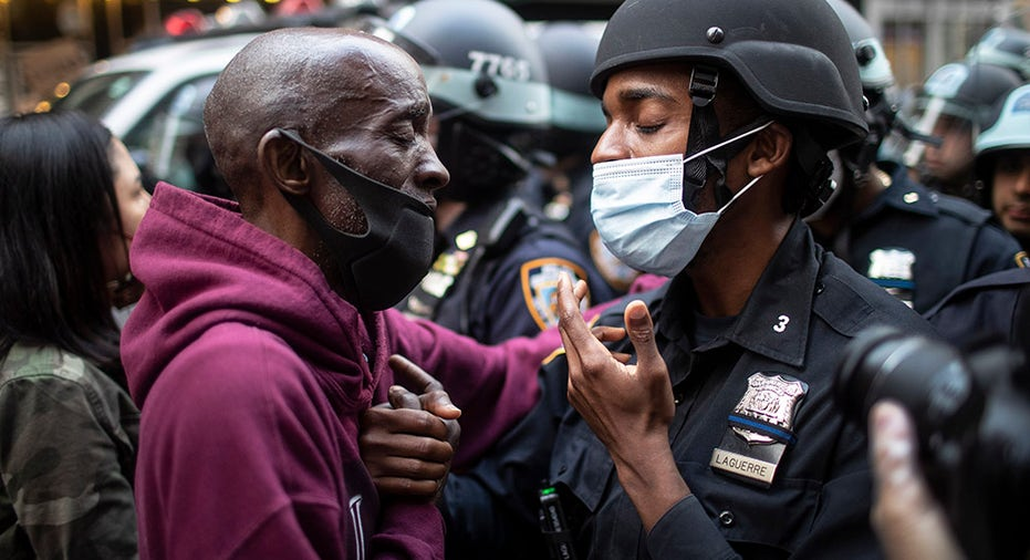 Several Nyc Stores Looted But Police And Curfew Help Quell Riots