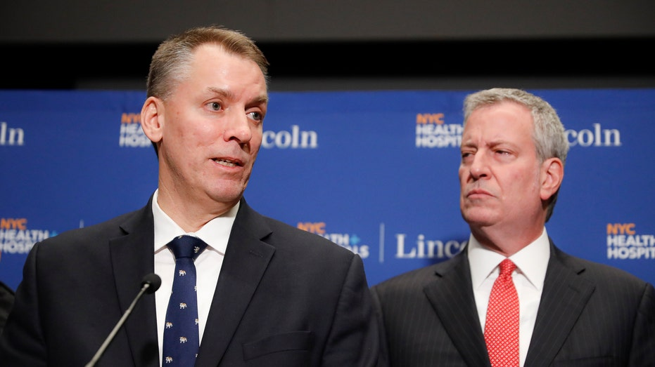 AP20167770230937 De Blasio announces proposal to cut NYPD budget by $1B [your]NEWS