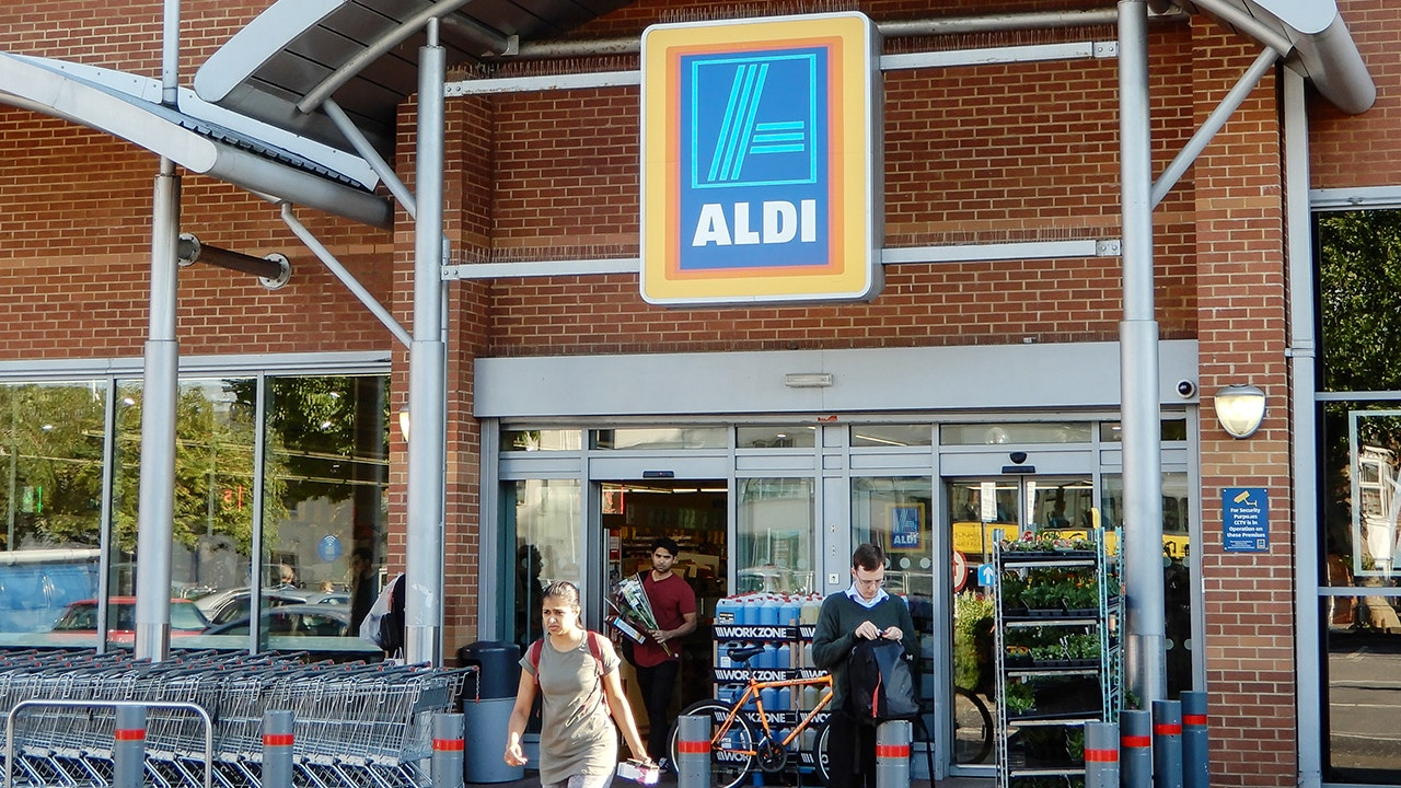 Aldi expanding with 100 new locations in 2021 - Fox Business