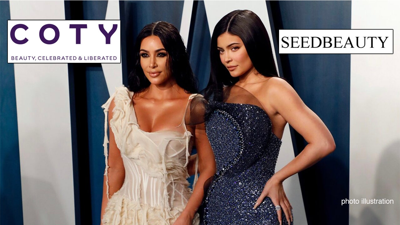 Kim Kardashian Kylie Jenner Coty Seedbeauty jpg?ve=1&tl=1.'