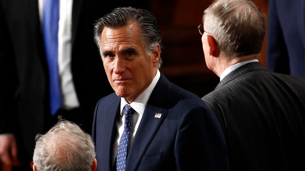 Romney, Sinema join forces to raise federal minimum wage