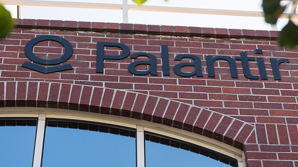 Palantir, a big data analytics company founded bybillionairePeter Thiel, announced in a press release Monday that it has confidentially su