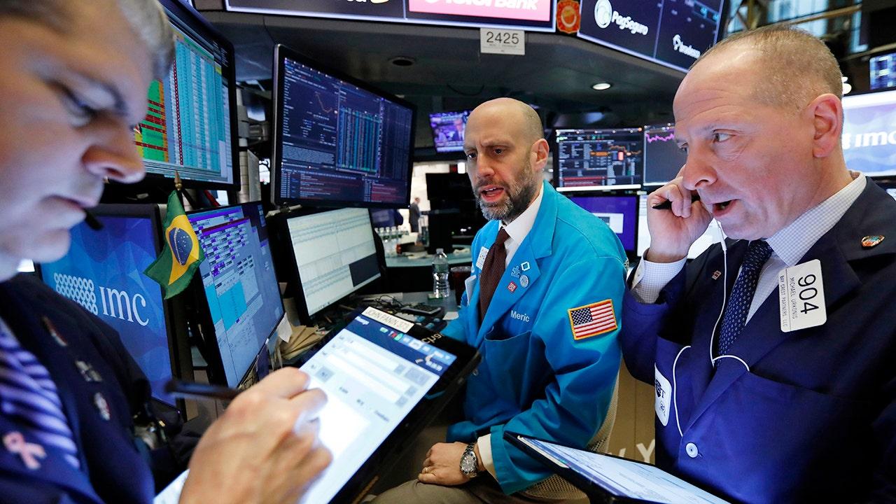 Stocks fight to snap losing streak as Trump begins WeChat, TikTok bans