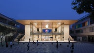 Apple doubles its retail space in Beijing