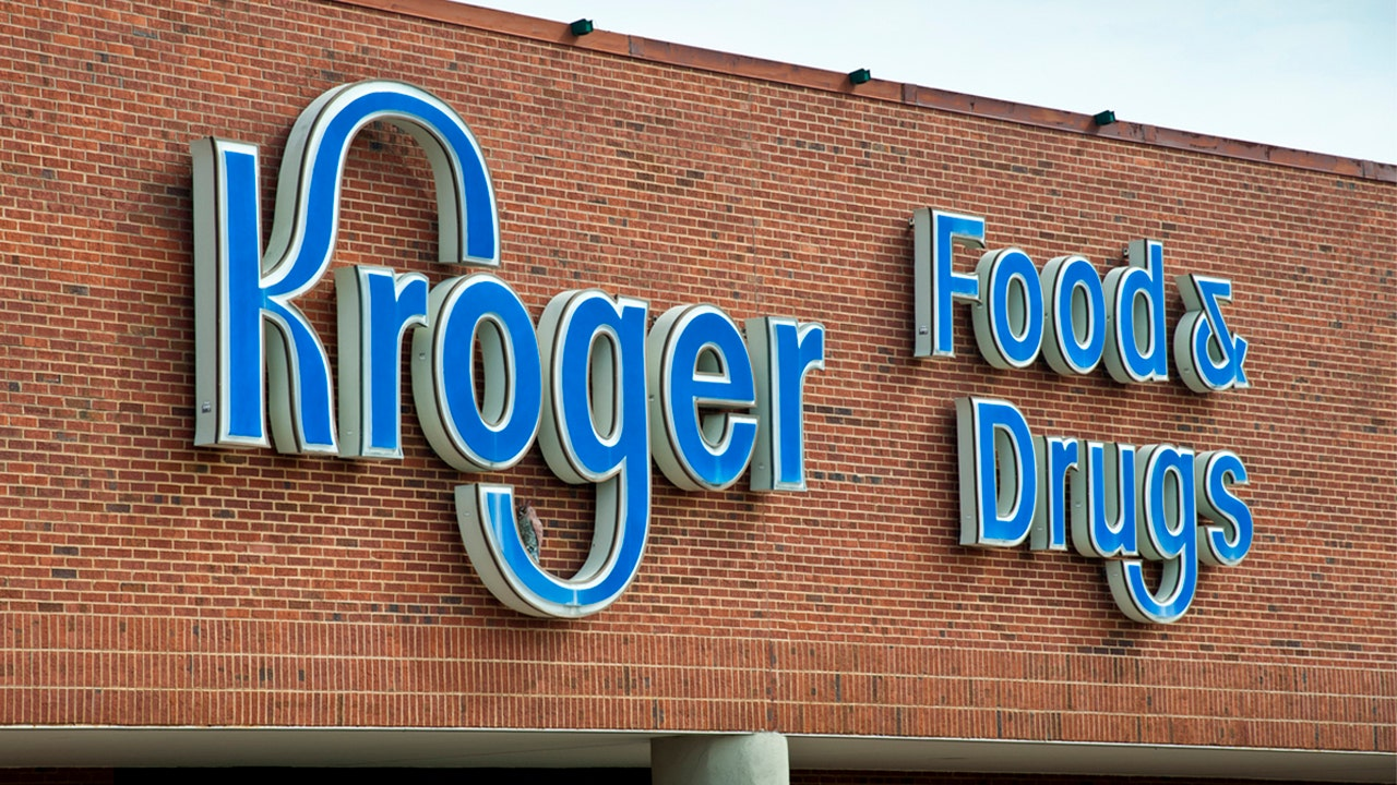 Kroger plans to give 1 million COVID booster shots per week: report