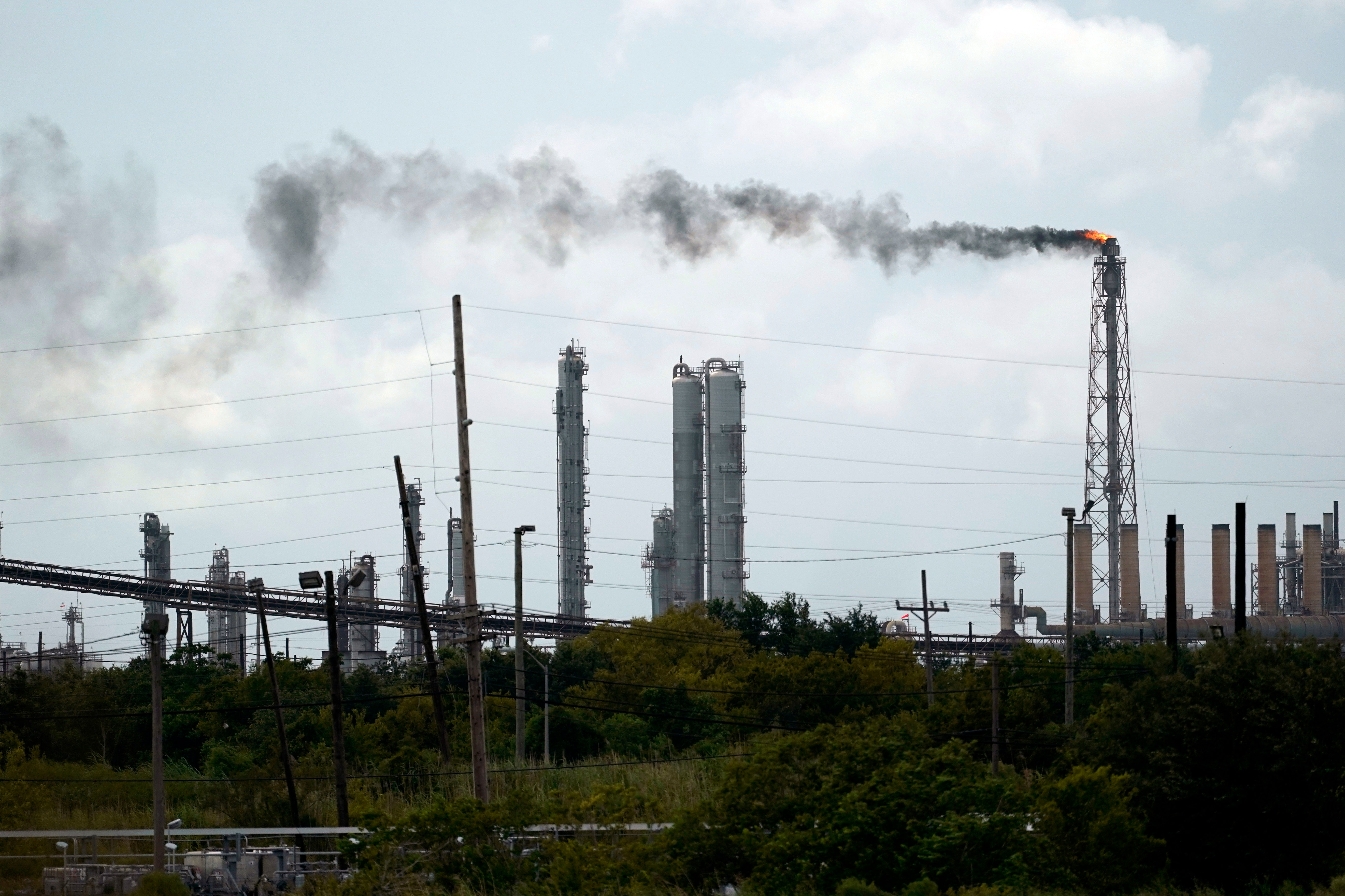Oil and gas industry assesses damage at refineries, plants thumbnail