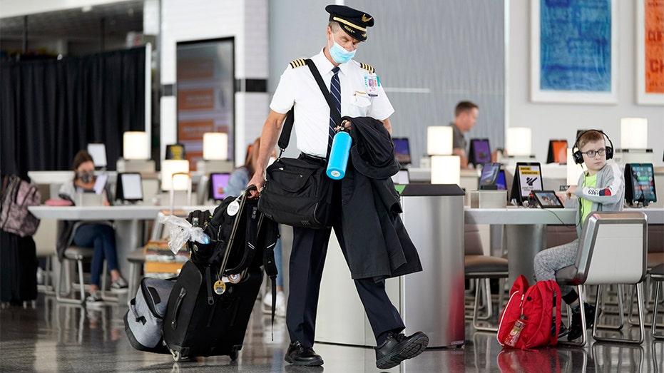 United Airlines Pilot