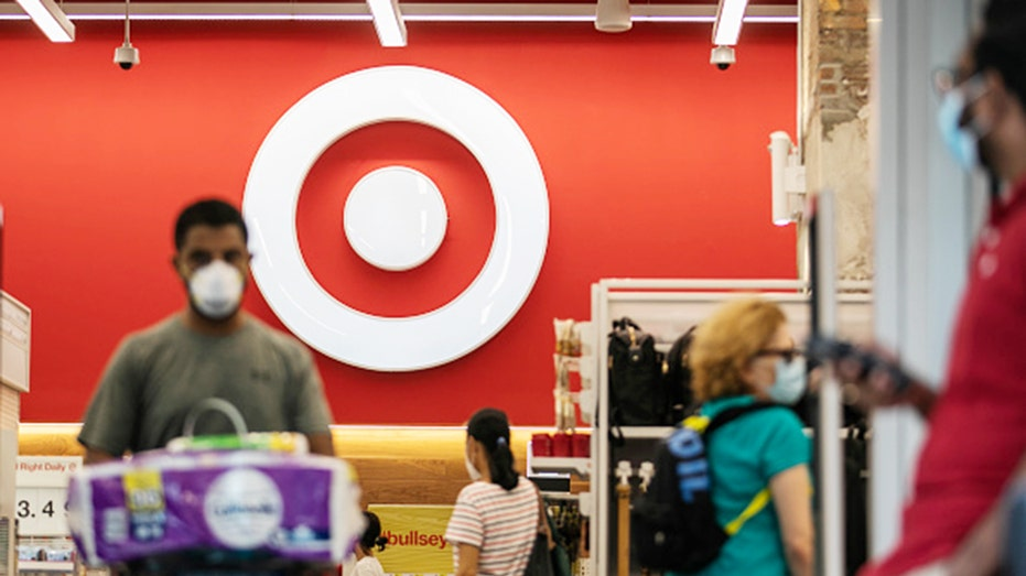 Anti-mask protesters march through Florida Target, yell: Take off your mask! - Fox Business