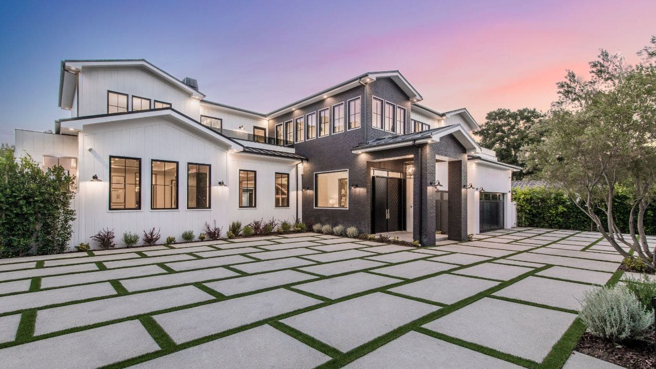 Former 'Real Housewives' star Teddi Mellencamp closes on $6.5M California home - Fox Business