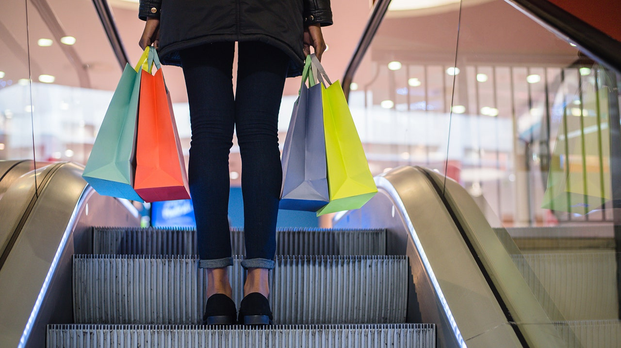 Retail prices to soar by 2021 holiday shopping season, expert says