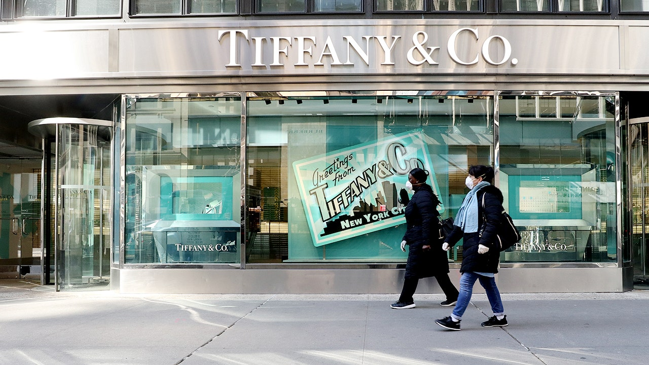 Tiffany lawsuit for $16B LVMH deal fast tracked for January trial