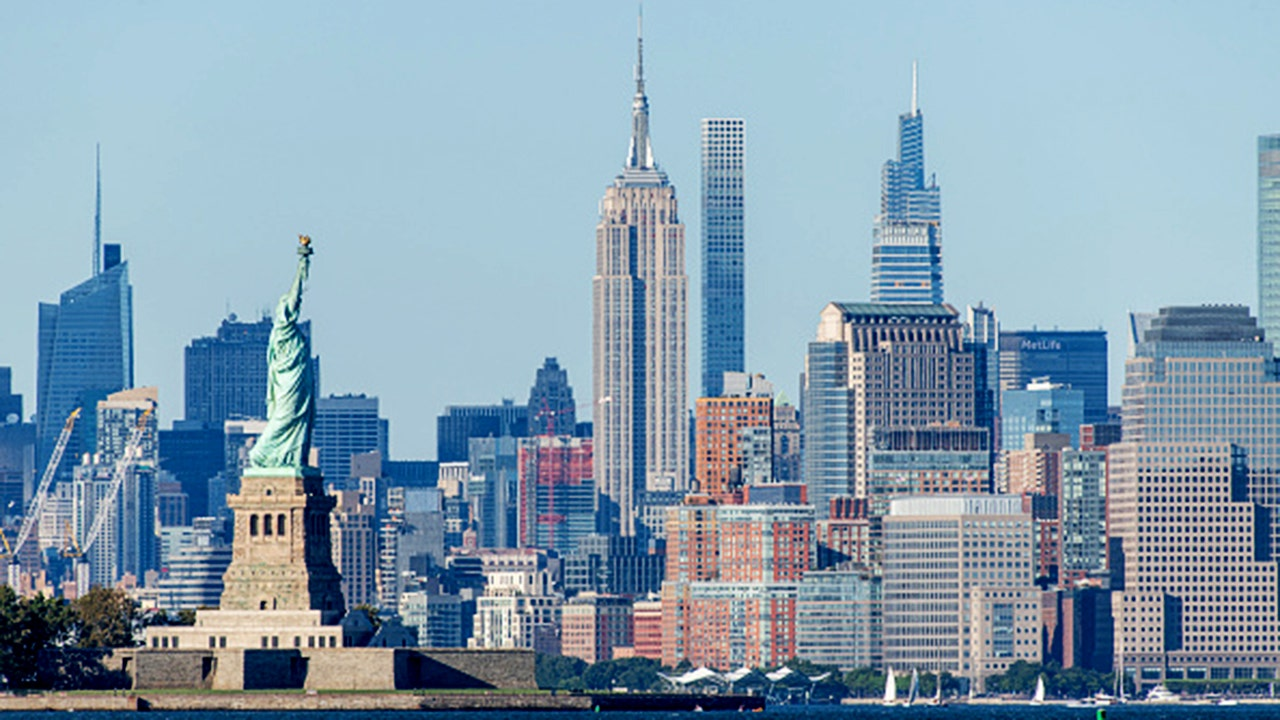Expensive-city exodus leads to massive rent declines in NYC, San Franc... image