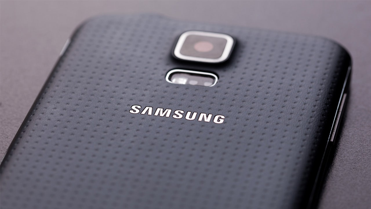 Samsung may discontinue its premium Galaxy Note phone next year: sources - Fox Business