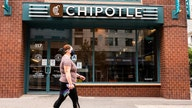 Chipotle books record sales from online orders