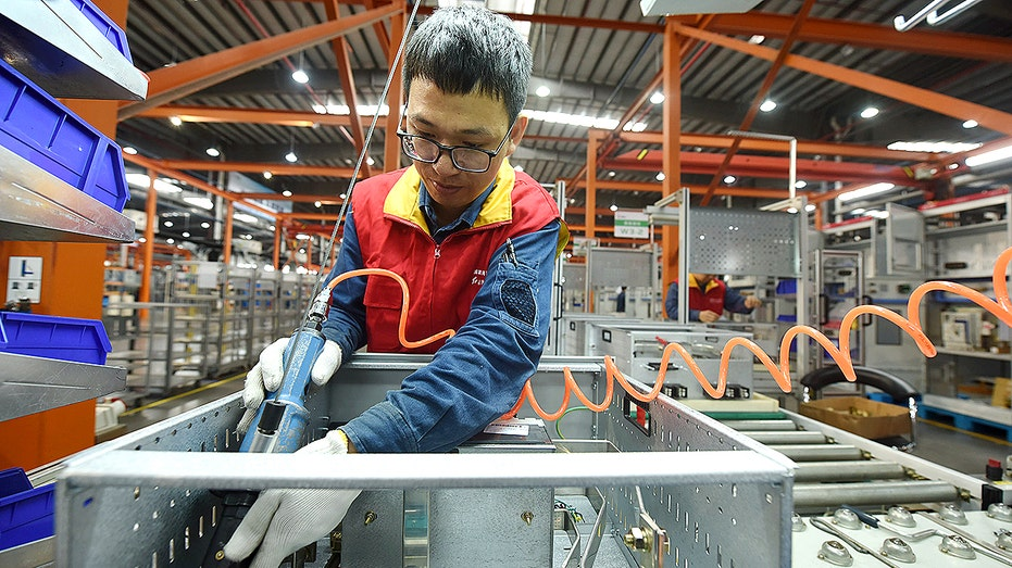 China's growth rises to 4.9% on higher consumer spending and trade