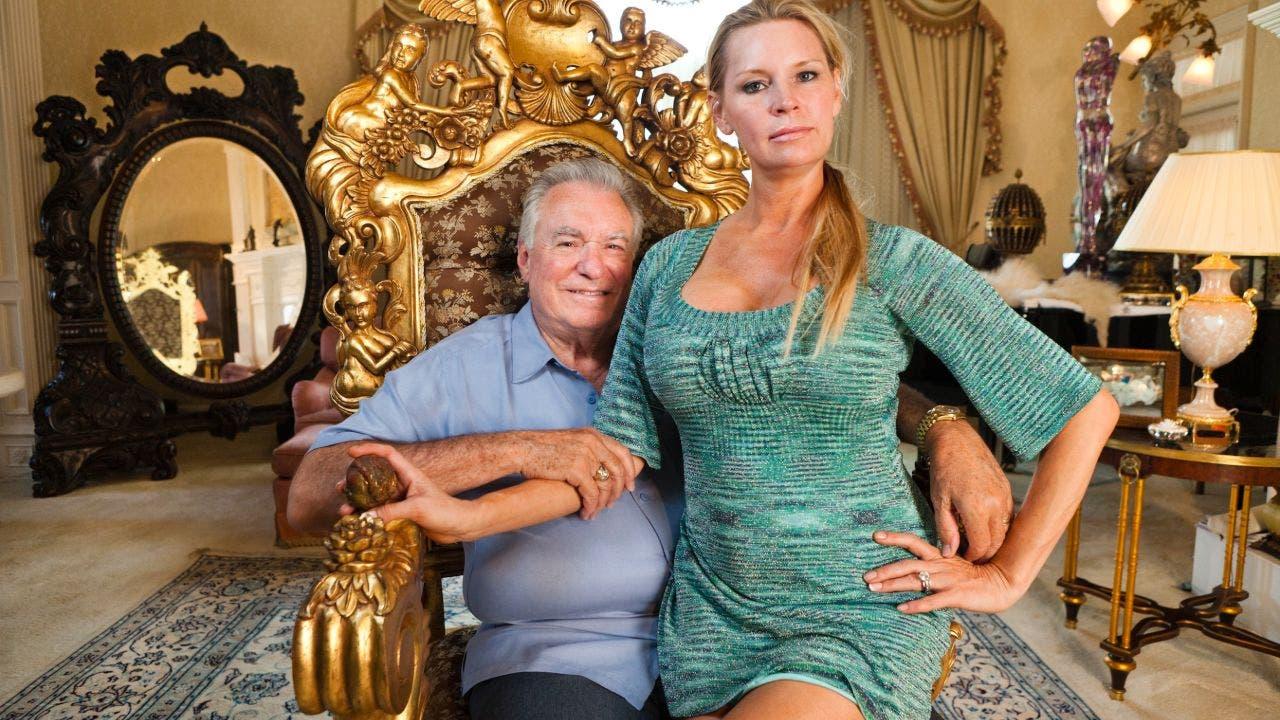 Queen of Versailles' Florida mega mansion still under construction ...