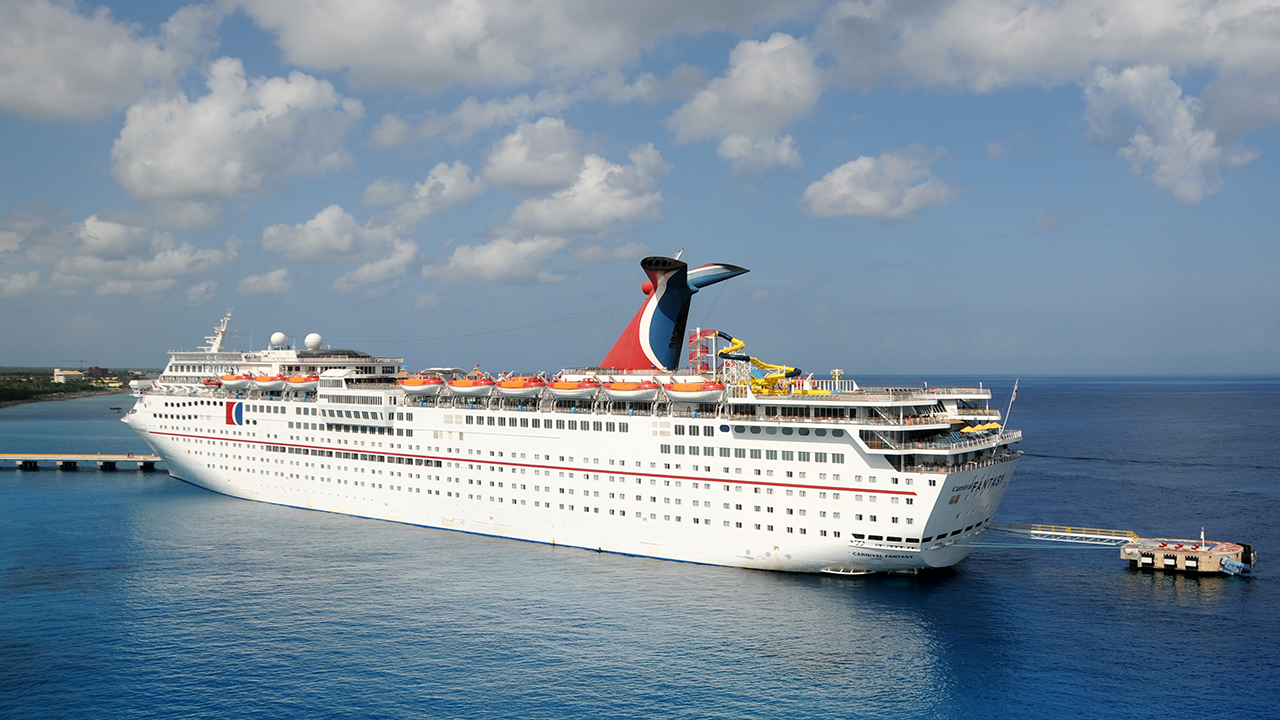 Carnival loses $2B as ships remained grounded