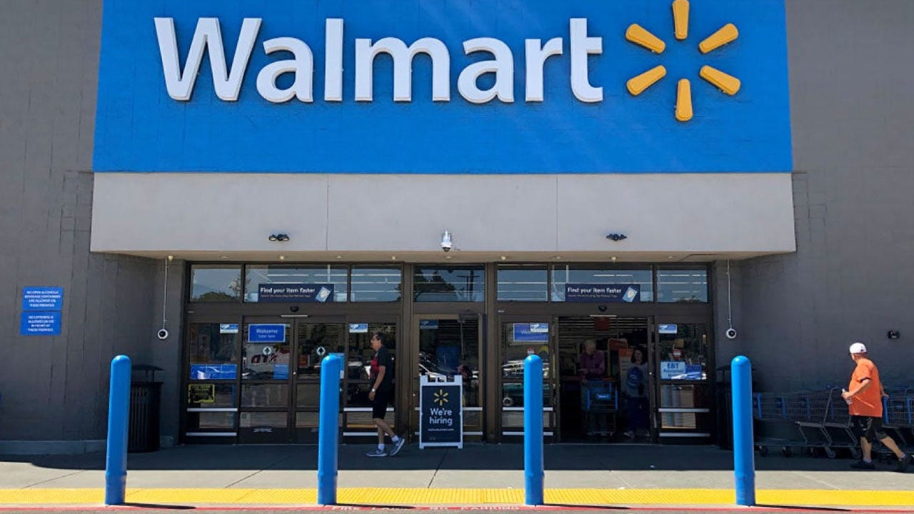 Walmart plans to fill online orders with help from robots ...