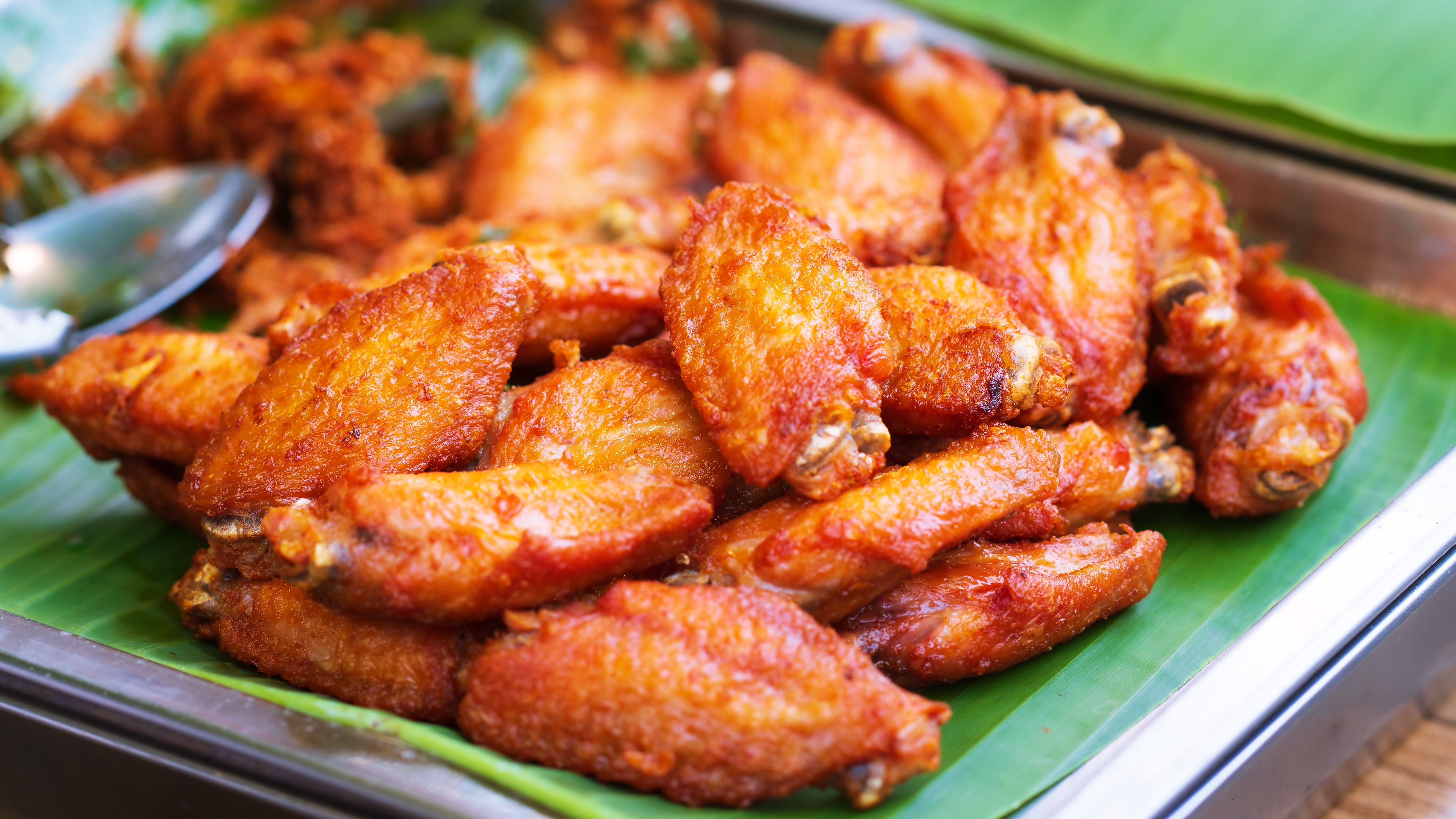 NY restaurant owner on chicken shortage: Wing costs up nearly 100%