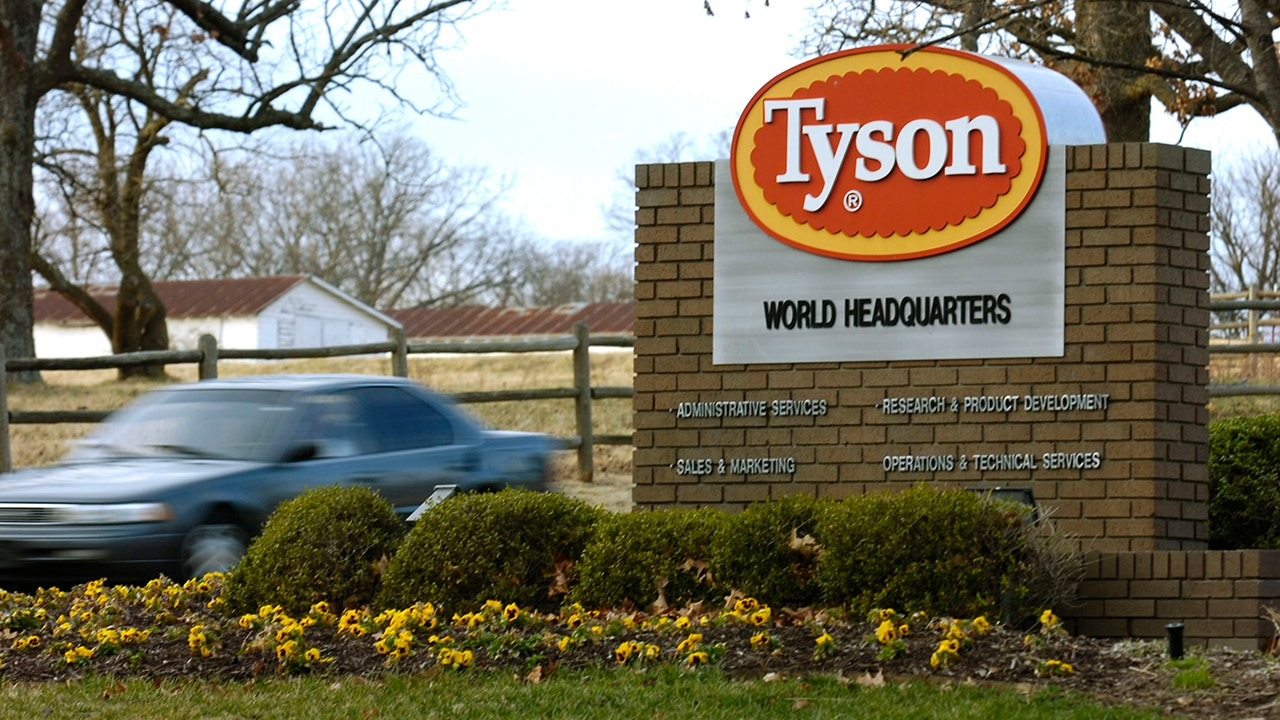 Tyson Foods to require COVID-19 vaccinations for all US employees