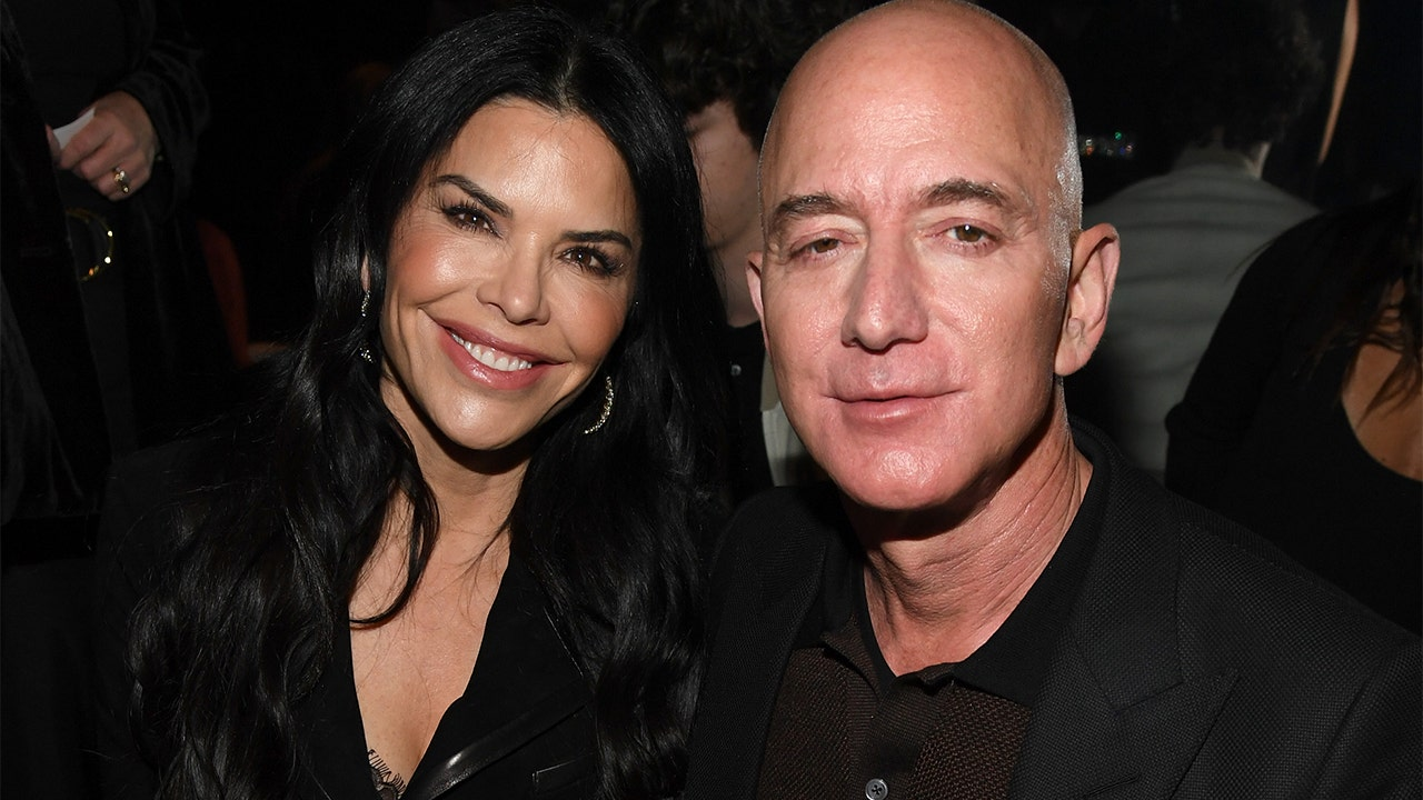 Jeff Bezos seeks $1.7M in legal fees ...