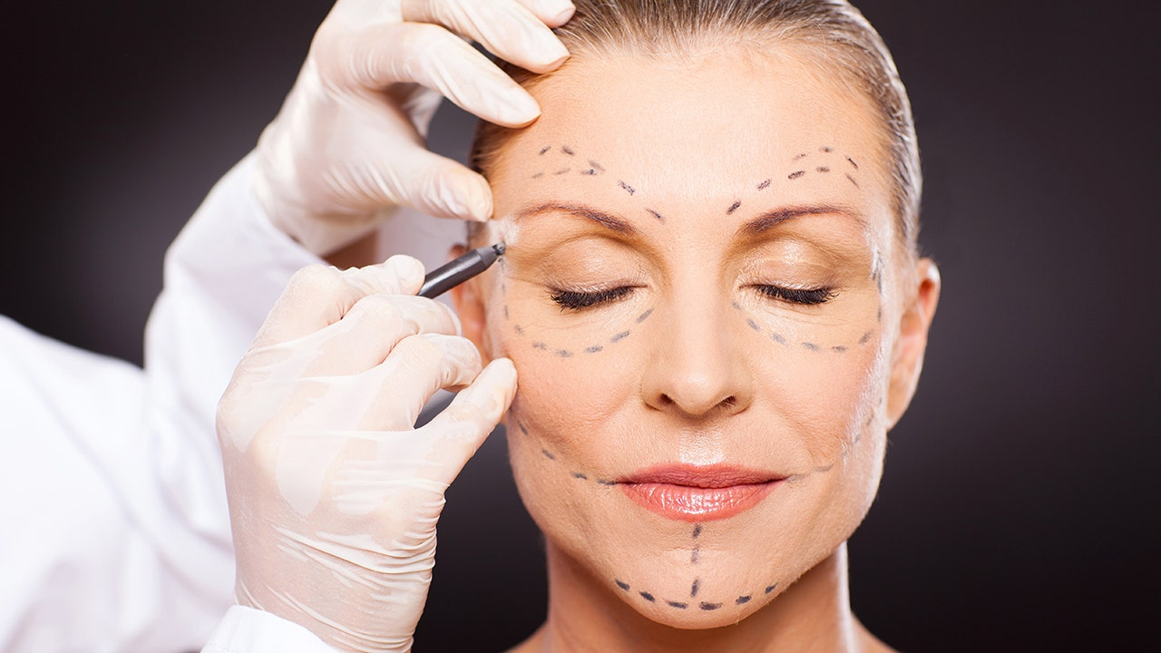 Popularity of plastic surgery surges during pandemic
