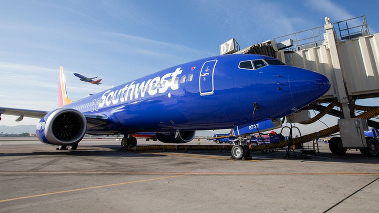Southwest Airlines makes new voluntary leave offer to cut costs