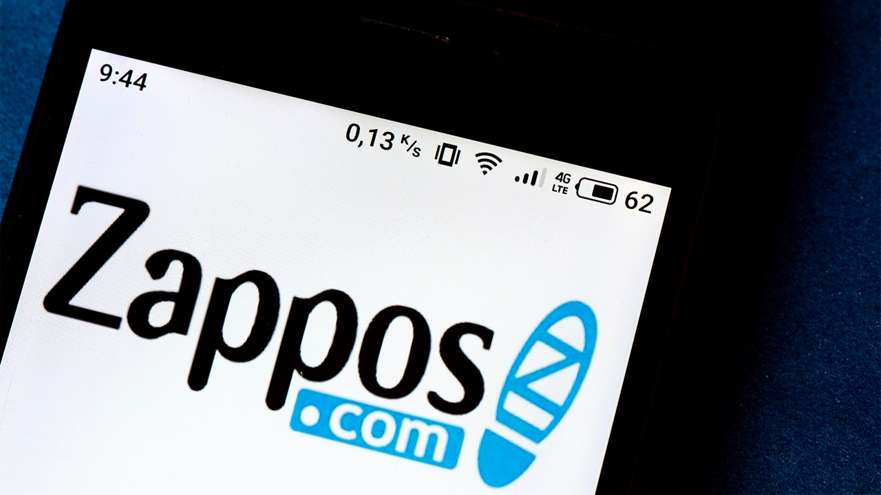 Zappos agrees to become UFC's US-based licensing partner