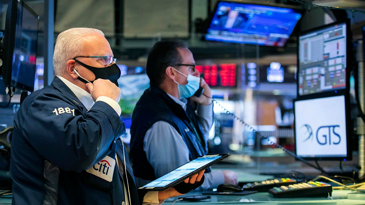 Stocks battle back as Fed's Powell eases inflation, economy concerns
