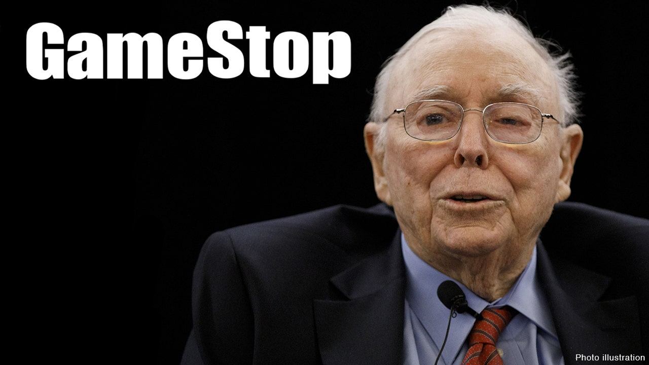 Charlie Munger: Robinhood luring amateurs with commission-free trading is a 'dirty way of making money'