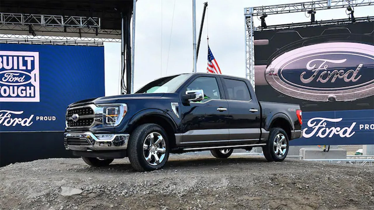 Ford recalling 79K F-Series pickups to fix windshields - Fox Business