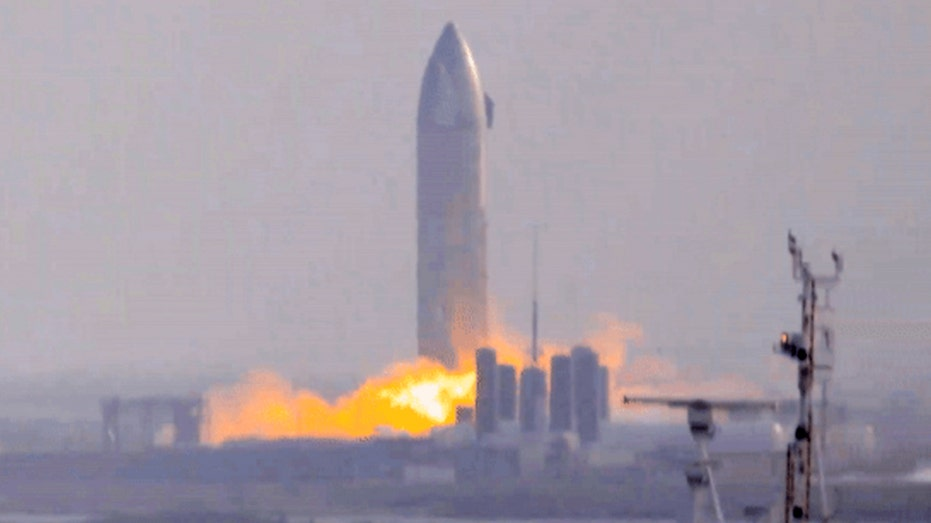 SpaceX Starship crashes after suborbital flight