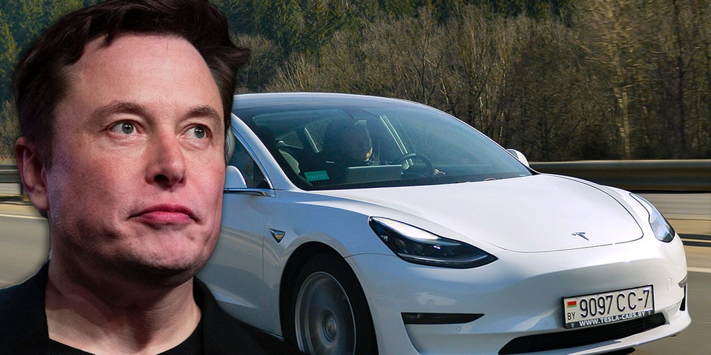 NHTSA asks Tesla why it didn't issue recall over 'Autopilot' software update