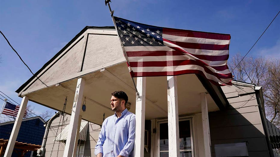 Illinois program scrubs student loans for people who buy a home
