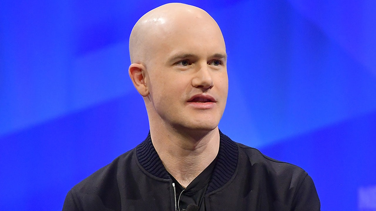 Coinbase CEO cashes out $290M on stock's opening day