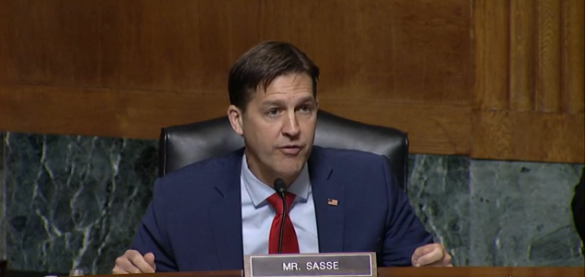 Sasse pitches 'signing bonus' for workers on unemployment who get a job