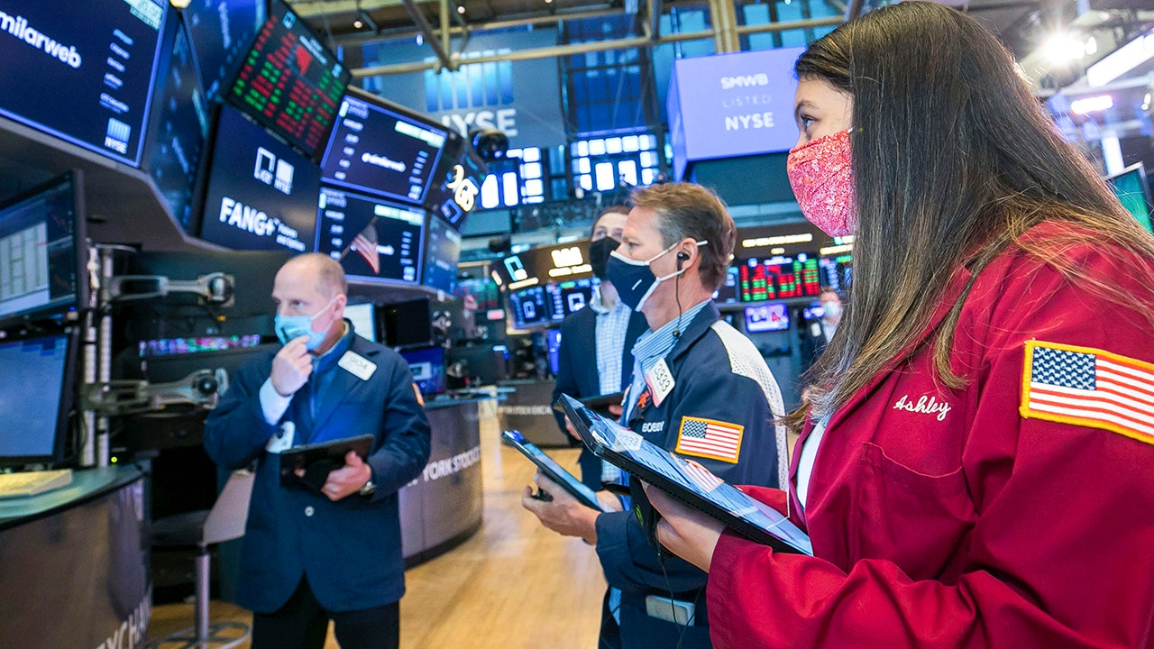 Stocks rally as retail sales weakness taken in stride