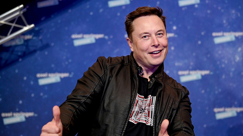 Elon Musk will show off new Tesla vehicle while in New York City