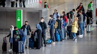 Masks still needed on planes, public transit even after new CDC guidelines, feds say
