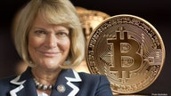 Bitcoin owner Senator Lummis supports cryptocurrency regulations: 'I want a level playing field'